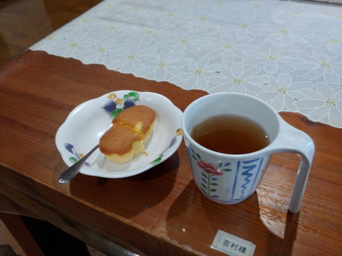 ミルクケーキとお茶