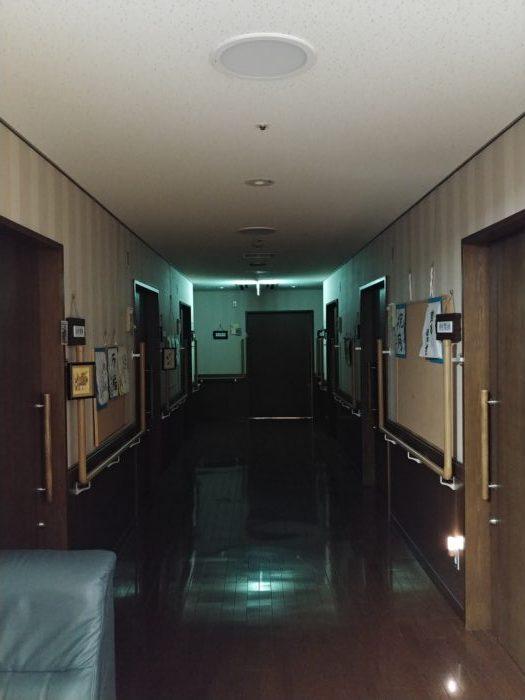 夜の香寿庵廊下