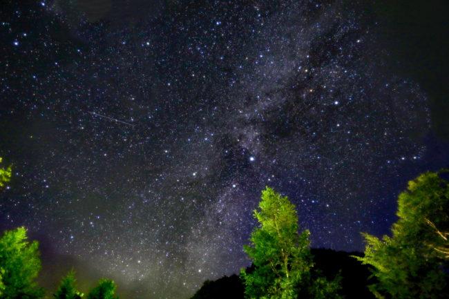 星は何故光っている