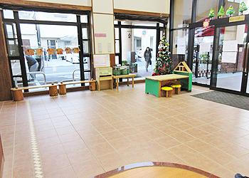 エントランス アーバンチャイルドこども園 東大阪市吉田の幼保連携型認定こども園