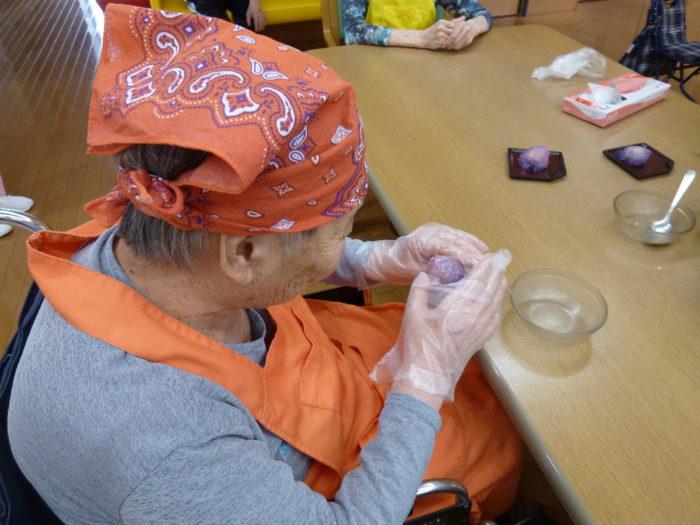 特養おやつレク 和菓子 紫陽花作り 手先を使う作業