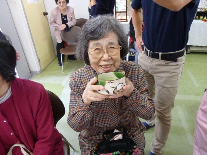 アーバンケア御厨 五百石もみじ会 文化祭 作品展示会場 秋の気分転換 お抹茶と和菓子を頂きました!