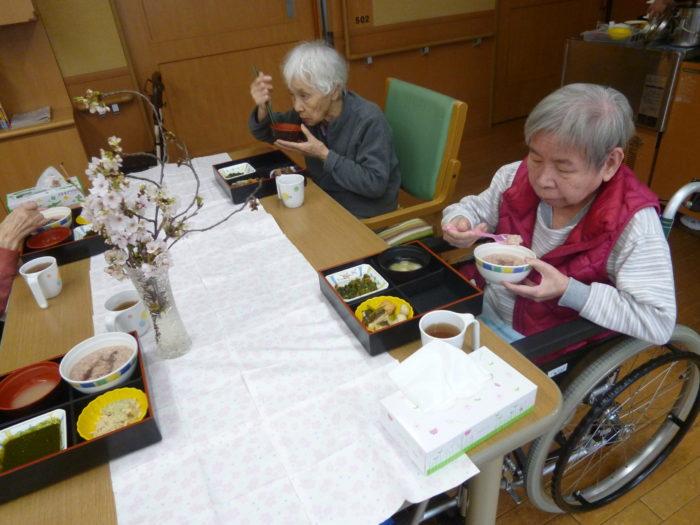アーバンケア御厨 お花見弁当 桜