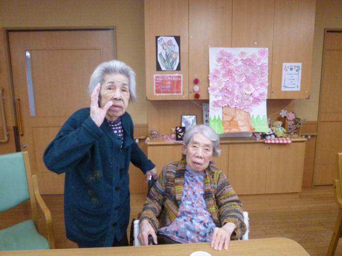 アーバンケア御厨 室内で楽しむお花見 コロナ対策 高齢者の作品 桜 手作り