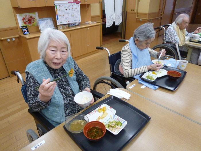 アーバンケア御厨 昼食 筍の天ぷら 初夏の食事 高齢者に喜ばれる食事