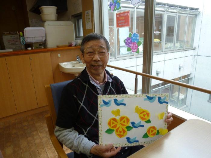 アーバンケア御厨 利用者様 元気な様子 花と記念写真 家族様へ伝え方 笑顔