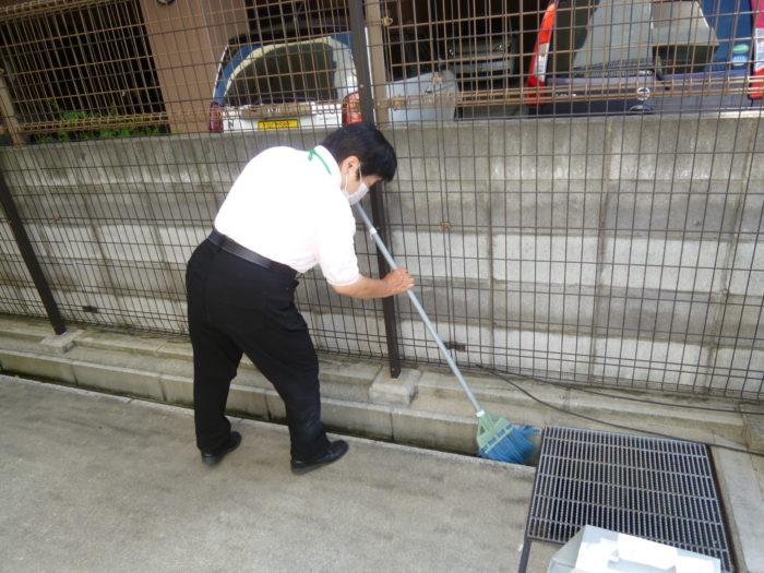 アーバンケア御厨 施設周囲の清掃 地域貢献 ケアプランセンター 居宅介護支援事業所