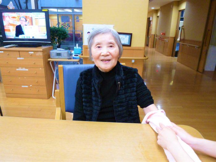 東大阪 特養 ハンドマッサージ リラックス効果 高齢者との会話